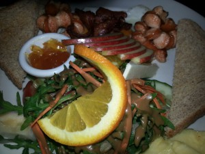 english breakfast im Cafe Maibach am Nollendorfplatz